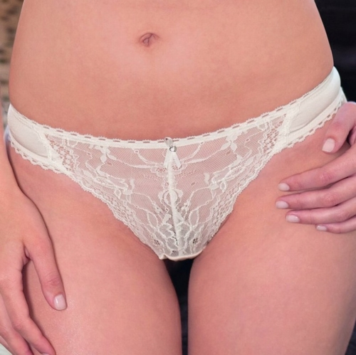 String Viania in creme