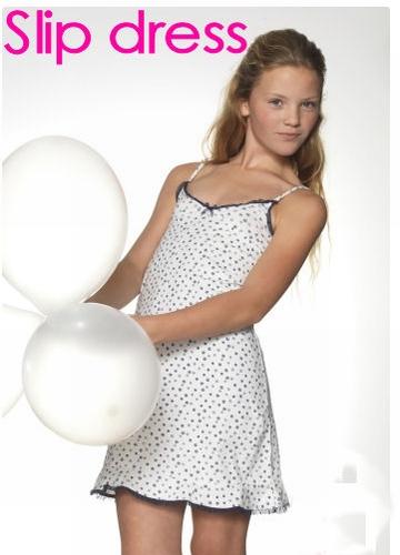Boobs en Bloomer Slip Dress