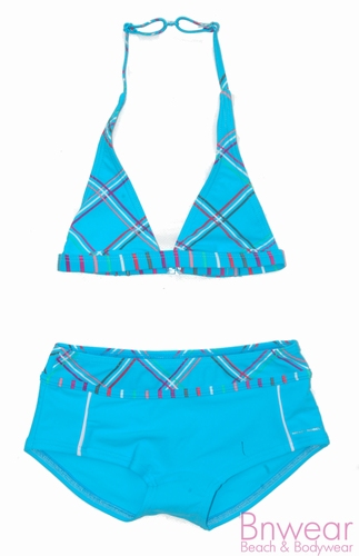 Turquase halter bikini met short.
