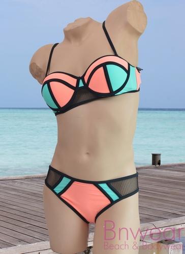 Triangel bikini in bandeau model met push-up